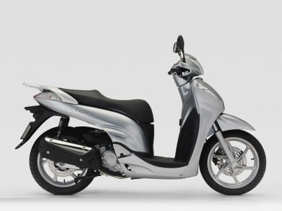 Honda Scoopy generacion 5 (6)
