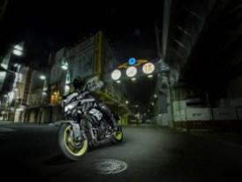 Yamaha MT-10 2017 en acción