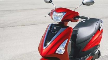 2017-Yamaha-D'elight-125-EU-Lava-Red-Detail-001