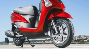 2017-Yamaha-D'elight-125-EU-Lava-Red-Detail-003
