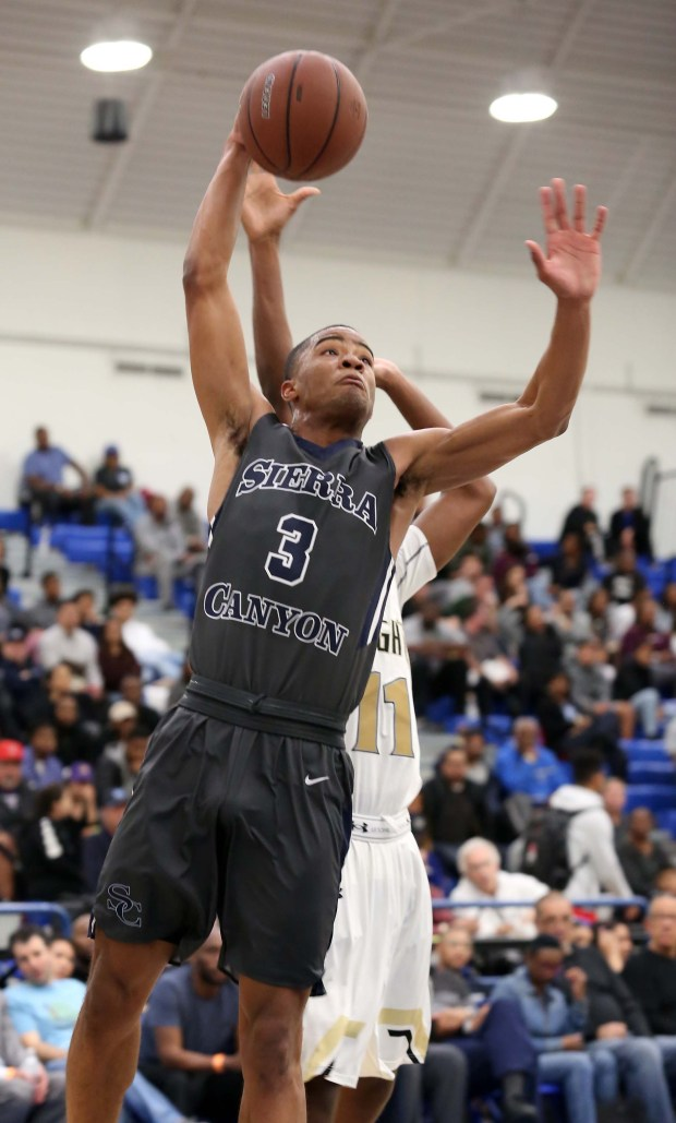 Sierra Canyon Boys Basketball Edged By Undermanned Bishop