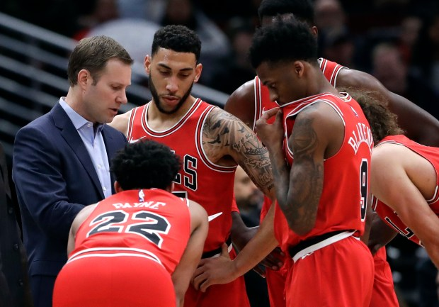 Chicago Bulls head coach Fred Hoiberg talks to his team during the first half of an NBA basketball game against the Los Angeles Clippers, Tuesday, March 13, 2018, in Chicago. (AP Photo/Nam Y. Huh)