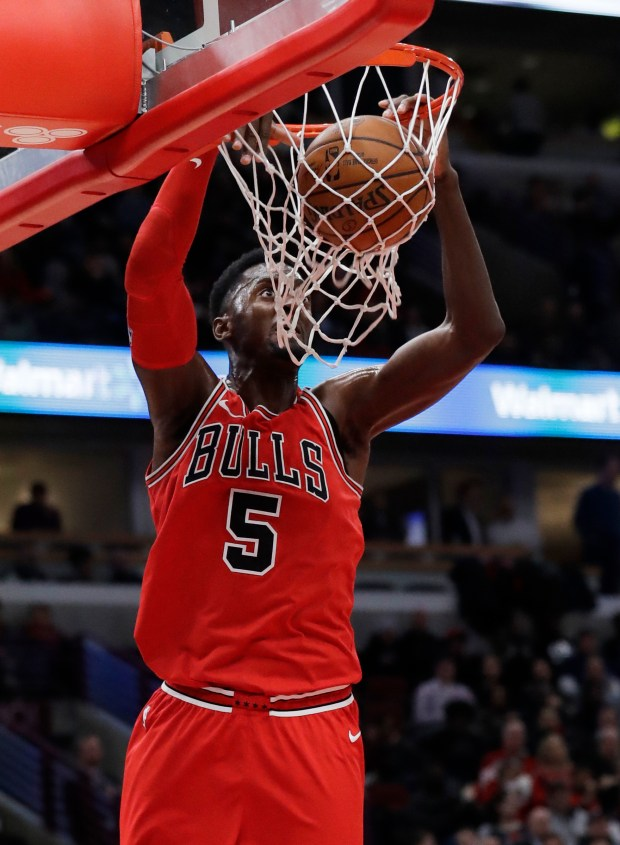 Chicago Bulls forward Bobby Portis dunks against the Los Angeles Clippers during the second half of an NBA basketball game, Tuesday, March 13, 2018, in Chicago. The Clippers won 112-106. (AP Photo/Nam Y. Huh)