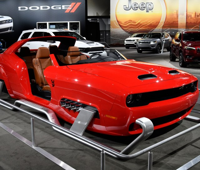 Dodge Shows Off Santas New Sleigh Ride A Dodge Challenger Srt Thats Been On Tv For The Holidays On Display During The 2018 Los Angeles Auto Show Media Day