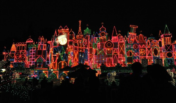 When Does Disneyland Take Down Christmas Decorations