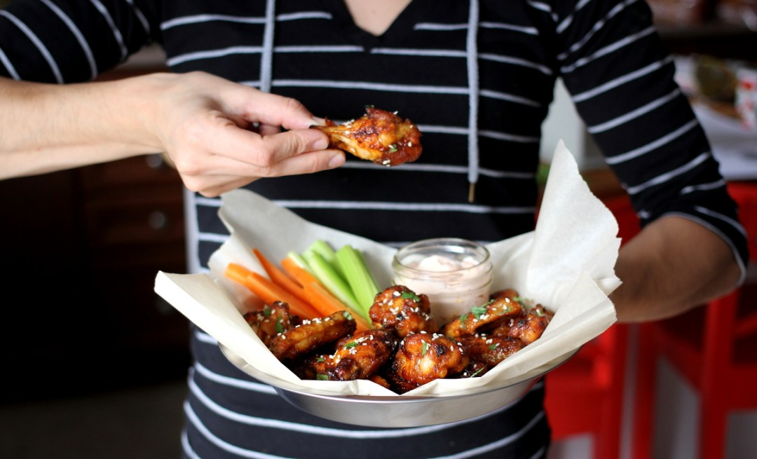 Easy Baked Sweet and Spicy Game Day Wings www.dailytiramisu.com