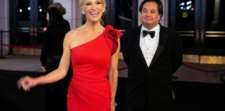 Kellyanne Conway announces she is leaving White House