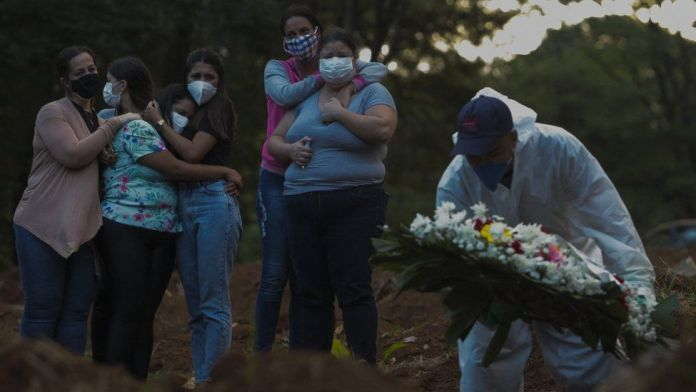 Brazil has more than 4,000 deaths in 24 hours for first time