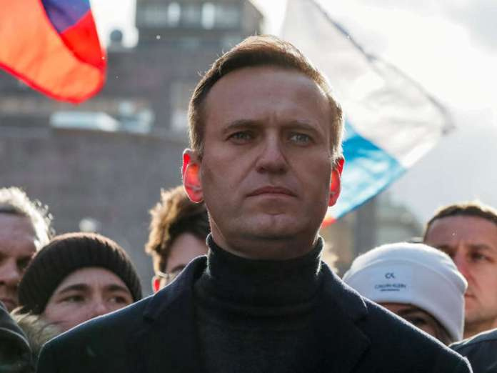 Alexei Navalny urged to end hunger strike immediately