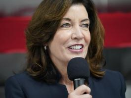 Hochul moves into spotlight as scandal roils Cuomo's reign