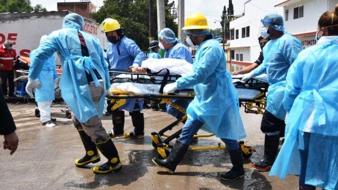 Flooding hits Mexico hospital, killing 17 patients