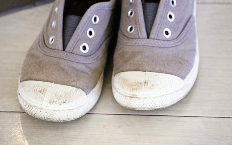 子ども靴の手入れ