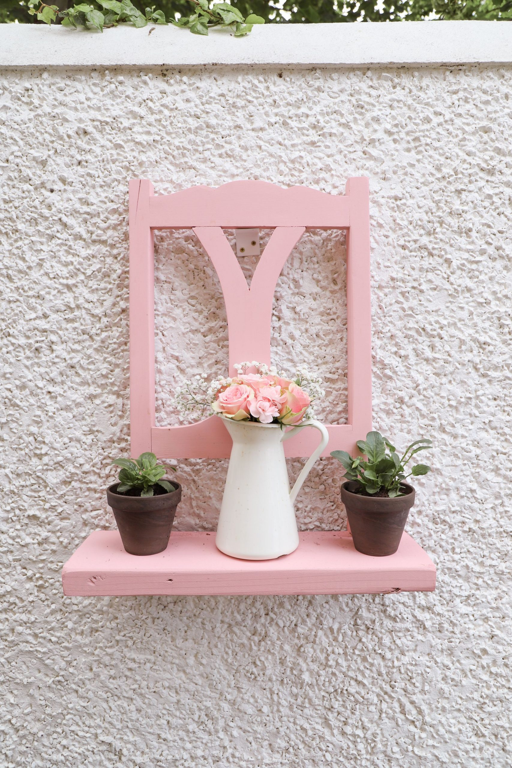 How to turn a chair into a garden planter and a shelf