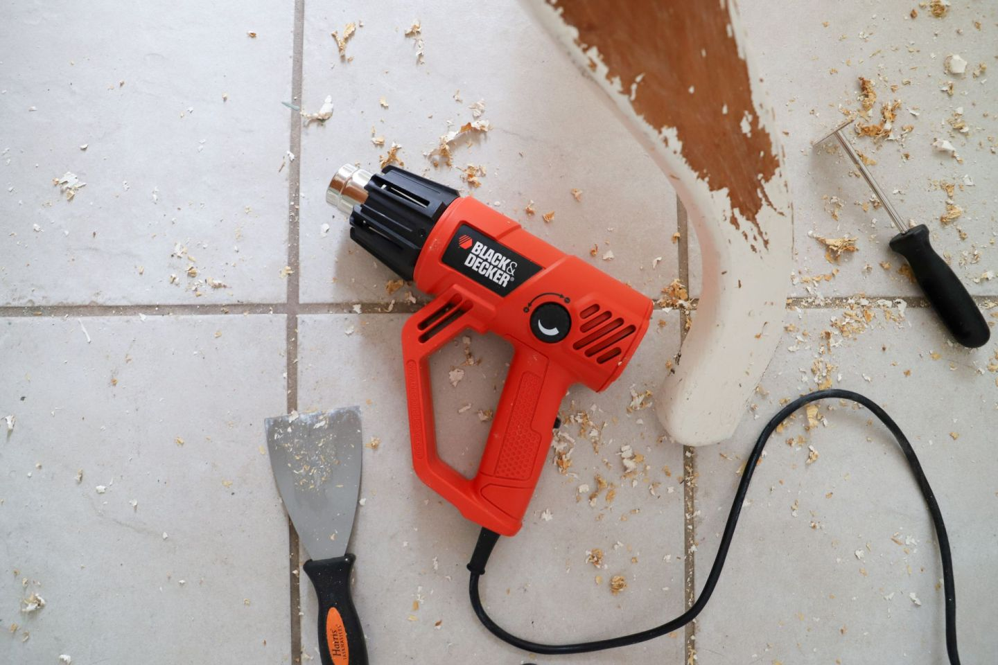 Using a heat gun to strip paint