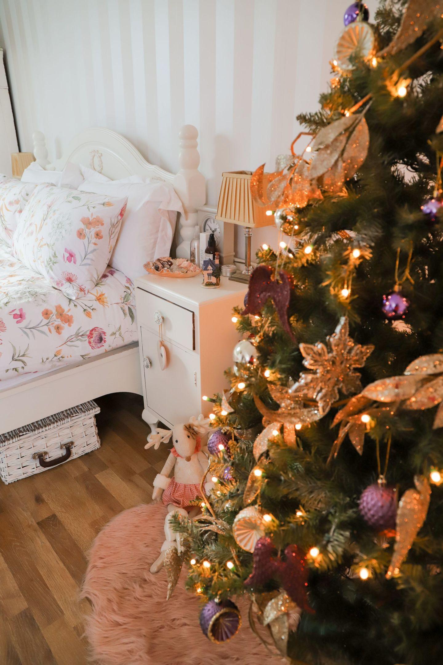 Christmas Tree Decorating Tips