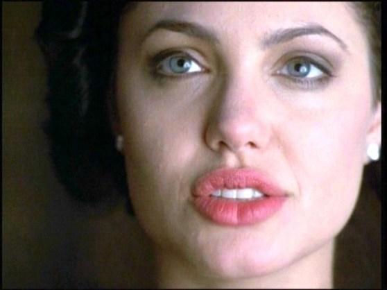 998GIA Angelina Jolie 100 - Todas Las Cirugías de Angelina Jolie