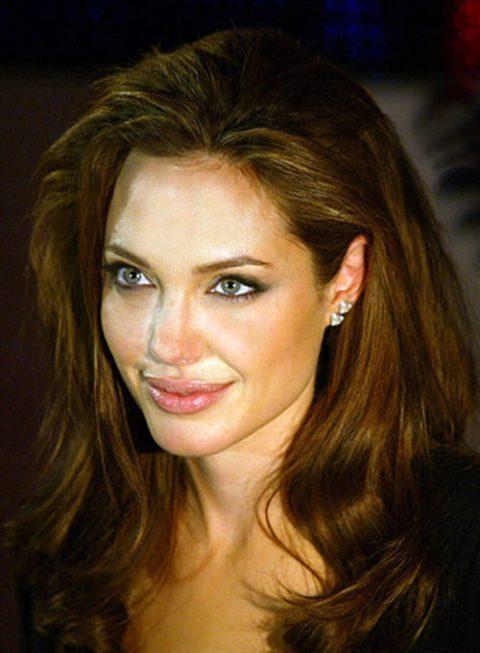 Angelina Jolie operada e1530377561487 - Todas Las Cirugías de Angelina Jolie