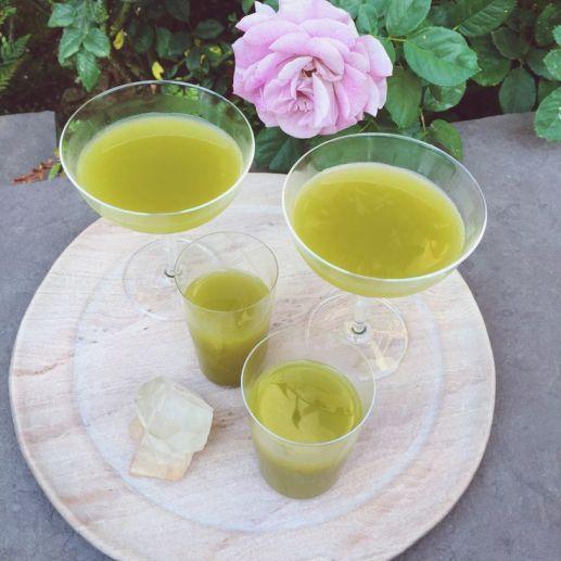 2b137293370302d75791f8c741fef8c2 moon juice lemonade drink - La Dieta de la Fundadora de Moon Juice