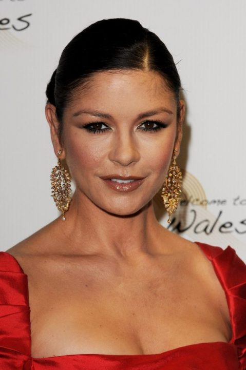 catherine zeta jones 2010 e1518822064897 - Las Cirugías de Catherine Zeta-Jones