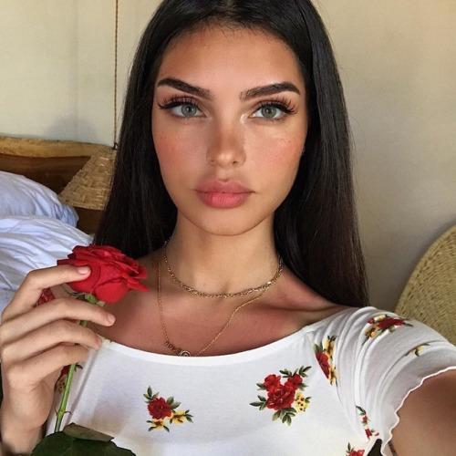 rosas22 - Mantenimiento y Cuidado de las Cejas