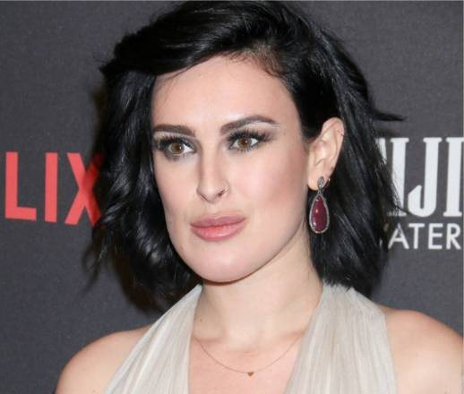 rumer willis mother - Rumer Willis Estrena Barbilla