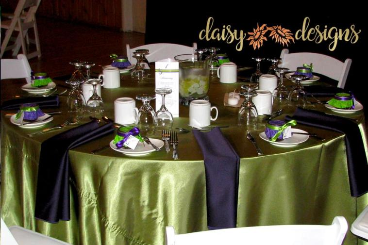 table set with mason jar tags