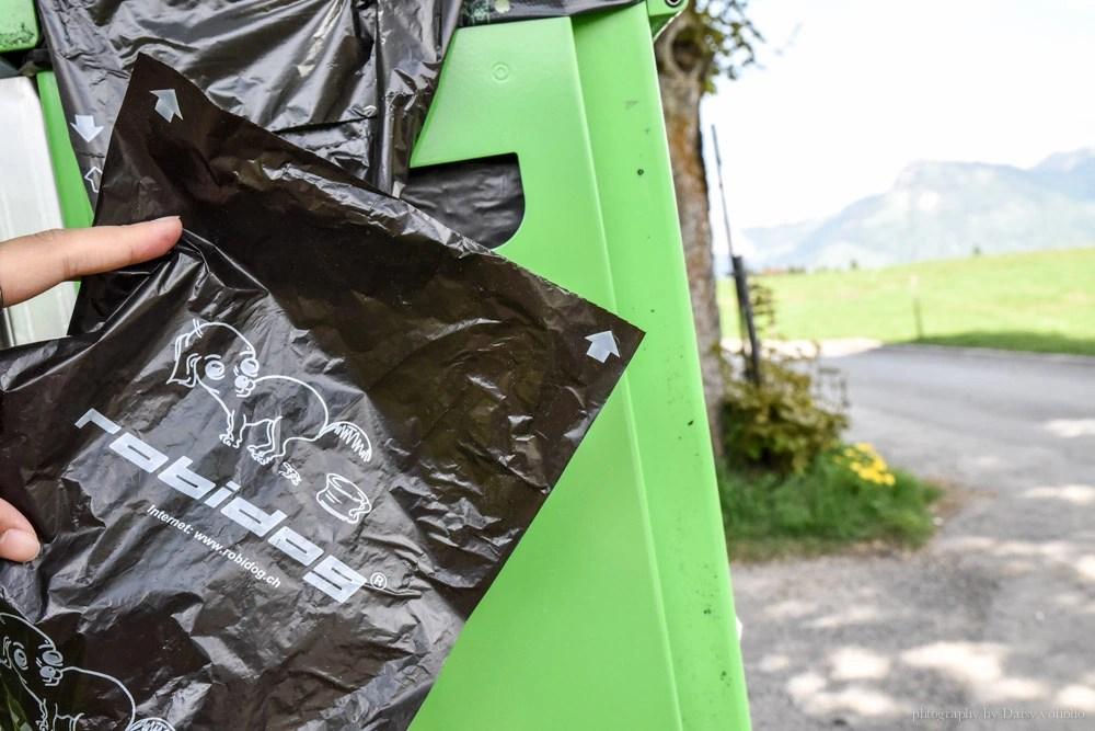 Swiss Travel Pass, 瑞士免費纜車, 瑞士高山, Stoos 健行, Stoos 纜車, 世界最斜纜車, 世界最陡纜車, 瑞士自助, 瑞士自由行, Stoos Bahn, 交通方式, 狗便袋, 瑞士狗稅
