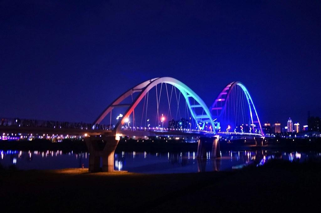 新月橋, 新月橋夜景, 板橋景點, 新北景點, 新月橋交通, 新月橋捷運