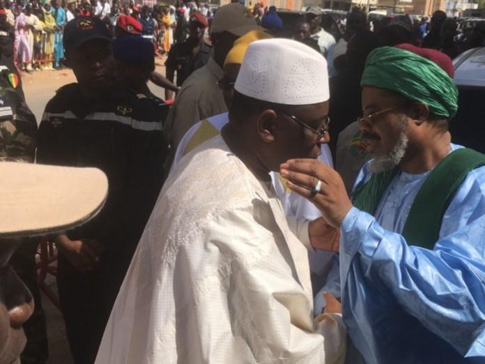 Louga: le PR Macky Sall prend part à la Ziarra annuelle de Thierno Mountaga Daha Cheikhou Oumar Foutiyou Tall.