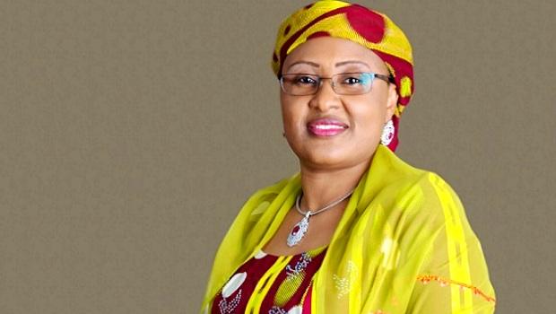 Premiere-dame-nigeria-Diplome-afrique-jewanda2-1