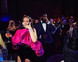 Rihanna-3-5