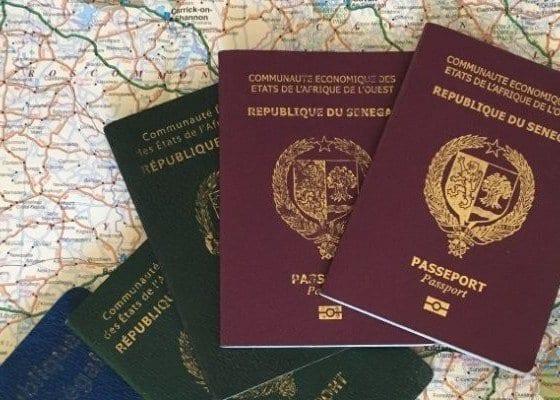 Trafic des passeports : des faux passeports établis sans photos d'identité