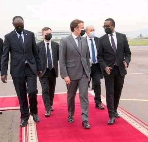 Le Président Rwandais rend la pareille à Macron- Paul Kagame délègue un ministre accueillir le Président Français