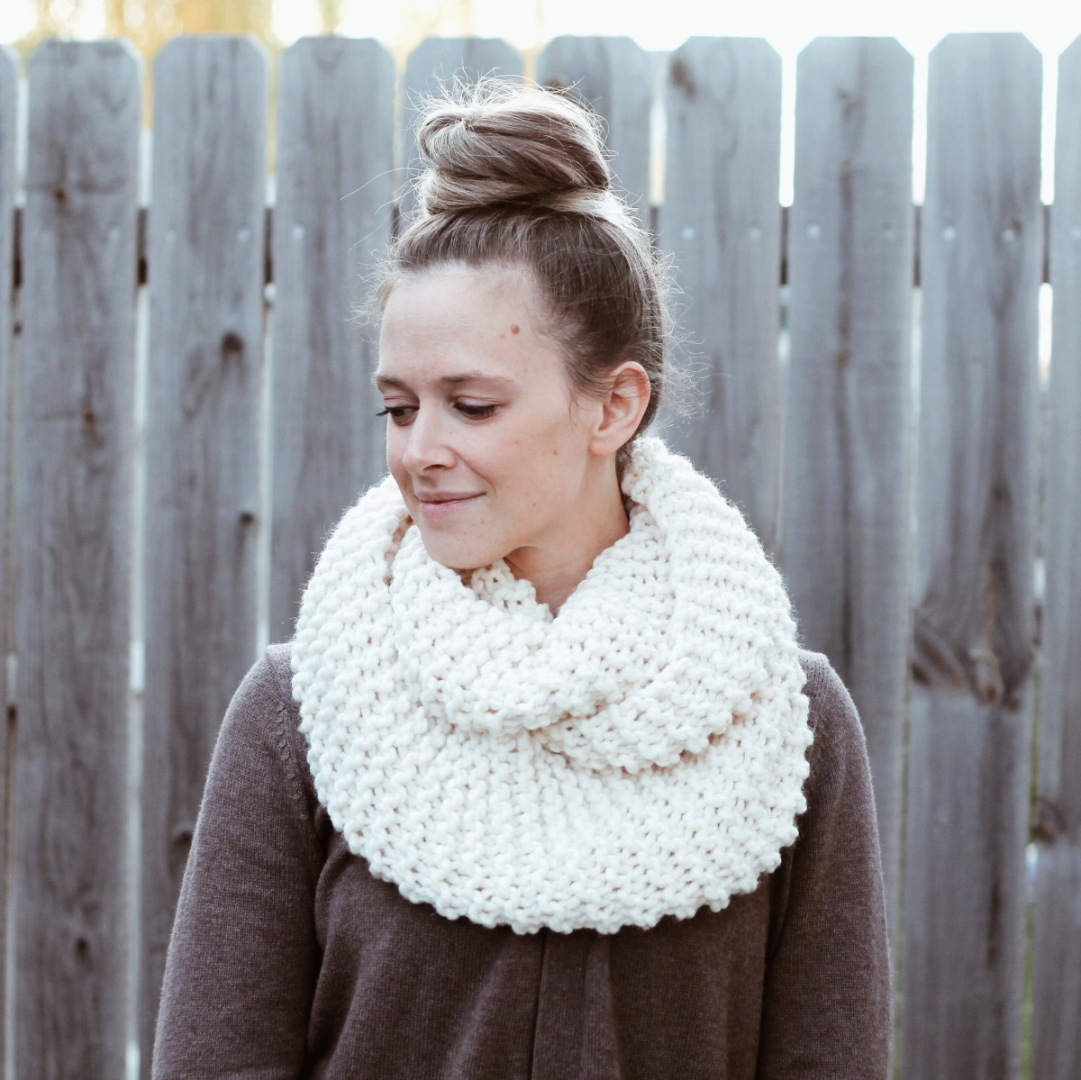 Cozy And Thick Knit Infinity Scarf ::Free Pattern::