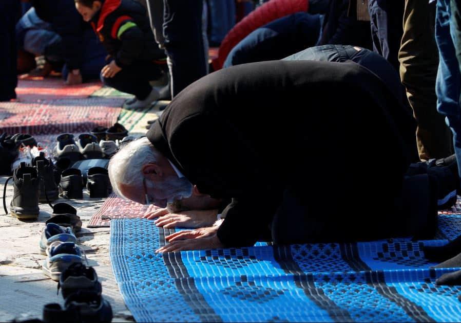 Tidak Hafal Surat Al-Fatihah Ketika Shalat Harus Baca Apa-dakwah-id-dakwahid