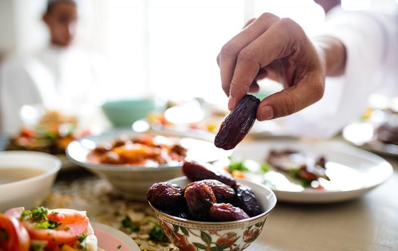 Makan atau Minum Karena Lupa Saat Puasa Hadits Puasa #9-dakwah.id