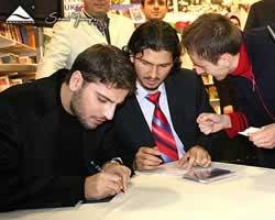 Sami Yusuf - Signing Session in Turkey October 2006 (samiyusuf.com)