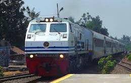 Kereta Argo Sindoro jurusan Jakarta-Semarang