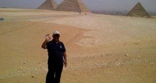 Penulis ketika di daerah Giza Mesir. (Dok Aidil Heryana)