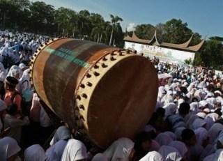 Ribuan Pelajar Kota Padang Kumpul Pada Pencanangan Pesantren Ramadhan (inet)