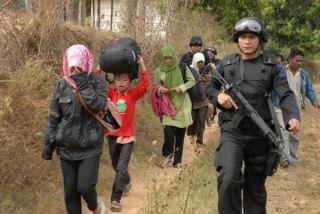 Evakuasi pengungsi syiah Sampang