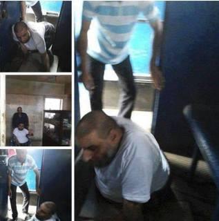 Syeikh Muhammad Awadh saat dimasukkan ke mobil tahanan (klmty)