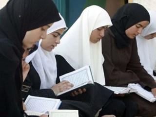 Muslimah Singapura (foto: alamandafahsion.com)