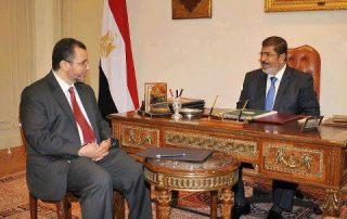 Hisyam Qandil dan presiden Mursi
