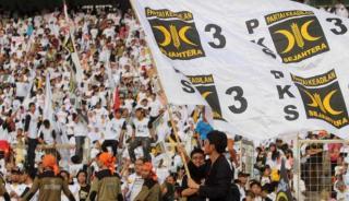 Tidak kurang dari 150.000 orang hadir dalam kampanye Akbar Partai Keadilan Sejahtera di Gelora Bung Karno, Ahad (16/3) - Foto: viva.co.id