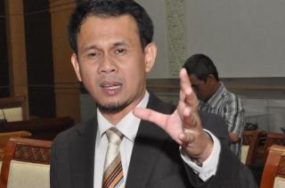 Ketua Komisi I DPR Mahfudz Siddiq - fajarbekasi.com