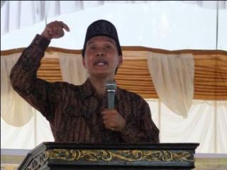 Ketua Pengurus Besar Al Washliyah, Masyhuril Khamis - (Foto: kabarwashliyah)