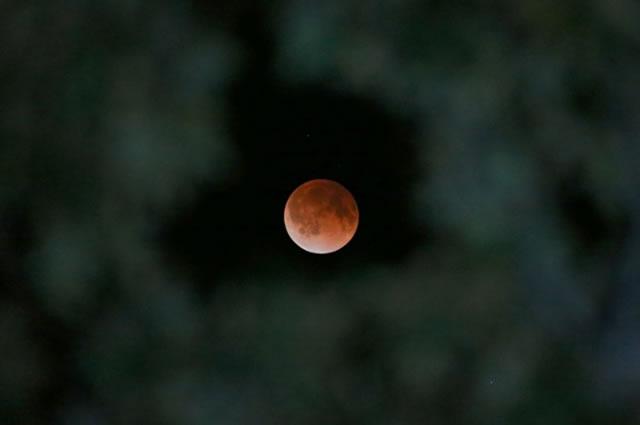 gerhana-bulan-2014-04-02