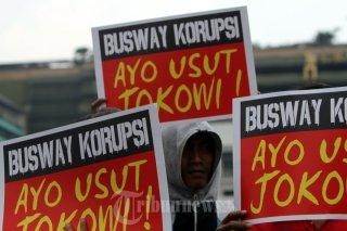 Aksi unjuk rasa tuntut usut dugaan korupsi Jokowi (tribunnews.com)