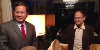 Prabowo Subianto saat bertemu BJ Habibie di Jerman. (merdeka.com)